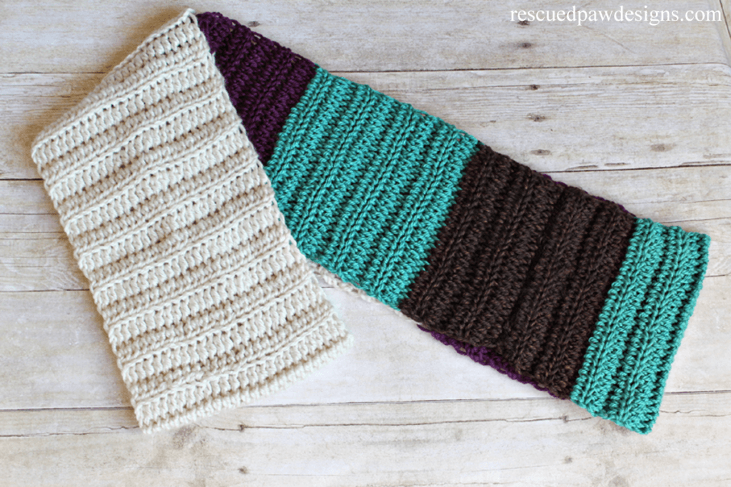 Color Blocked Infinity Scarf- Free Crochet Pattern by Easy Crochet