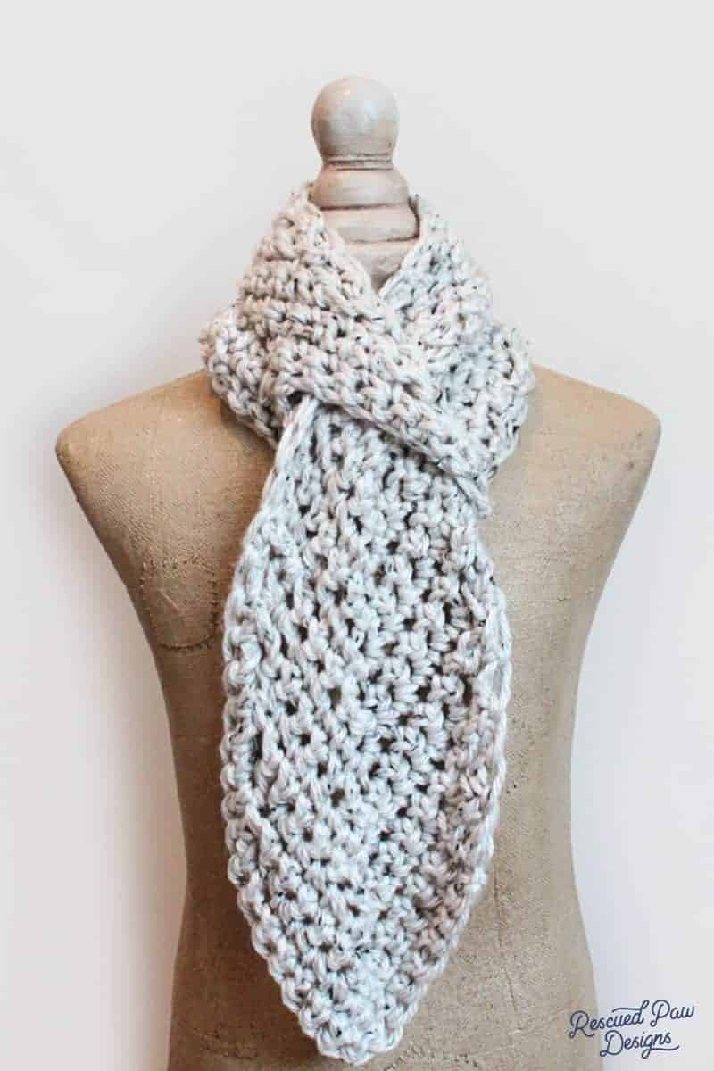 Pull Through Adjustable Scarf - Free Crochet Pattern from Easy Crochet