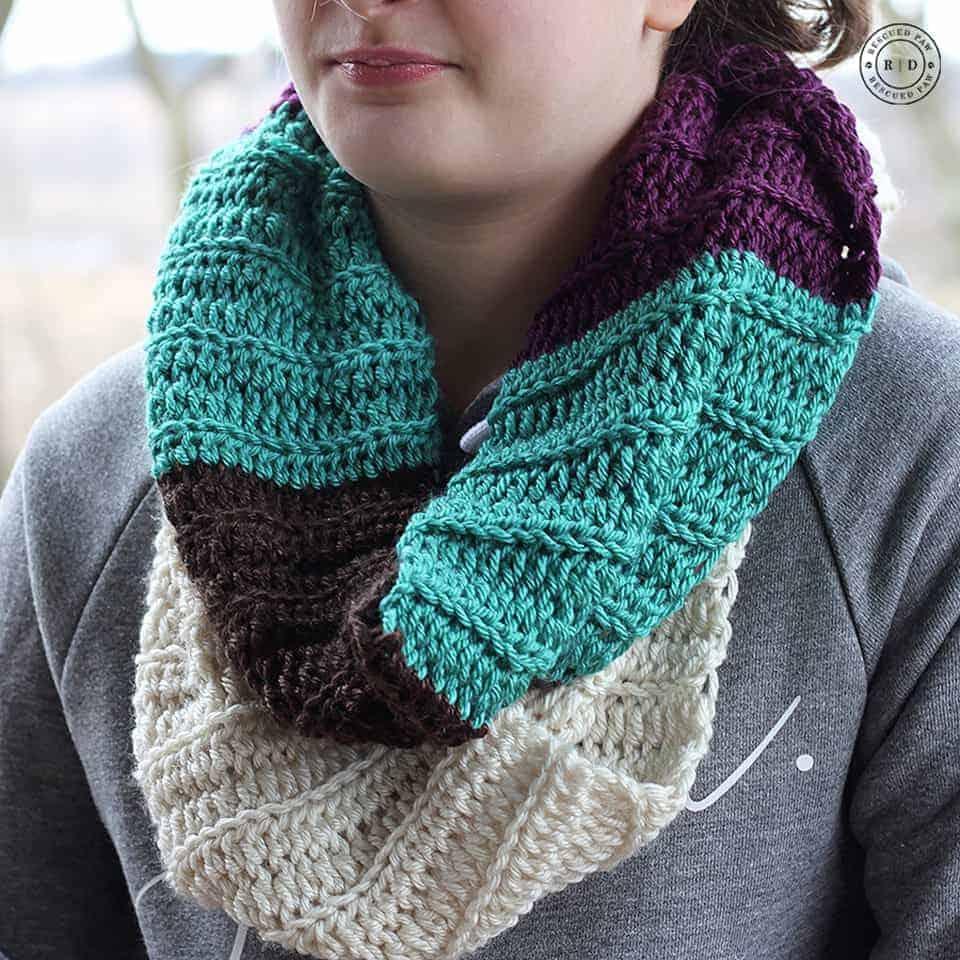 Crochet infinity scarf free pattern fast