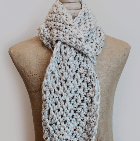 Pull Through Adjustable Crochet Scarf Pattern :: Easy Crochet
