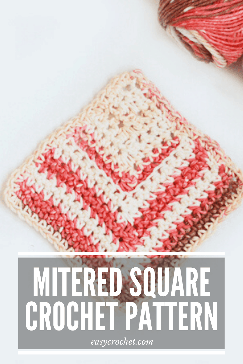 Use this free crochet pattern to create this easy mitered crochet square with this free pattern from Easy Crochet. easycrochet.com via @easycrochetcom