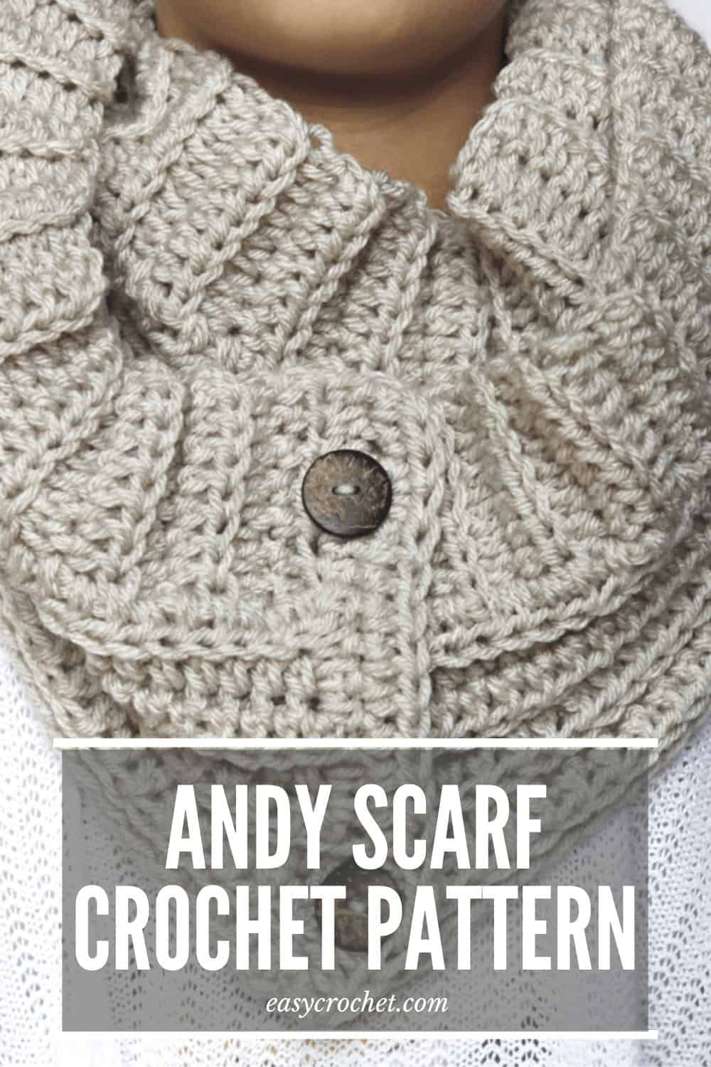 Andy Button Scarf Crochet Pattern via @easycrochetcom