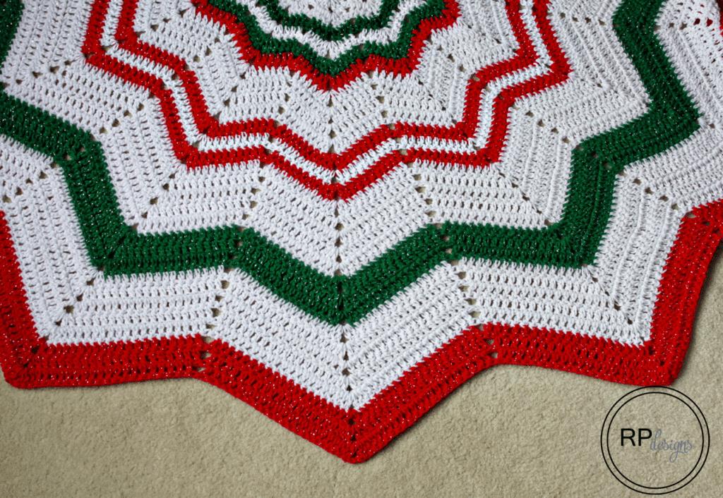Crochet Tree Skirt Pattern - Christmas Tree Skirt - Free Crochet Pattern - Easy Crochet