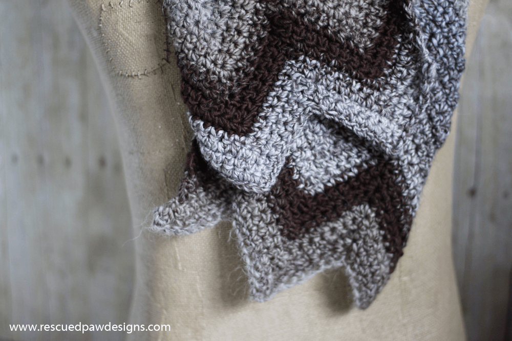 How to crochet a chevron scarf