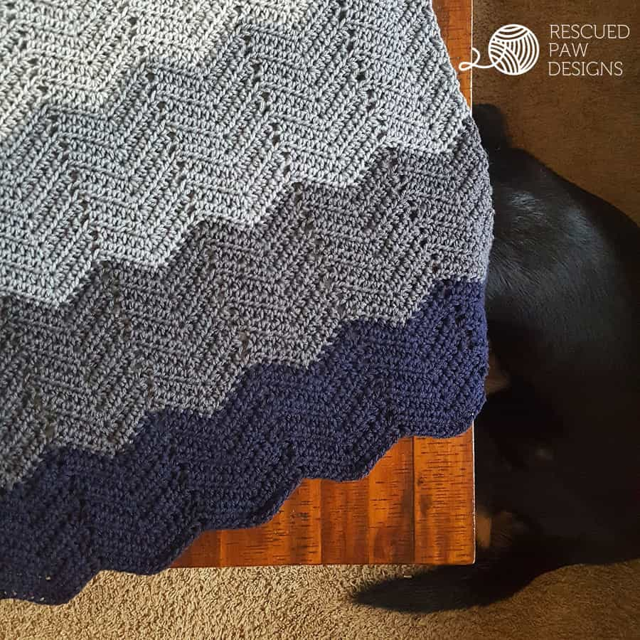 Ombre Ripple Crochet Blanket Pattern www.easycrochet.com Click to Read or Pin and Save for Later!