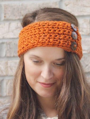 How to Crochet a Pumpkin Earwarmer