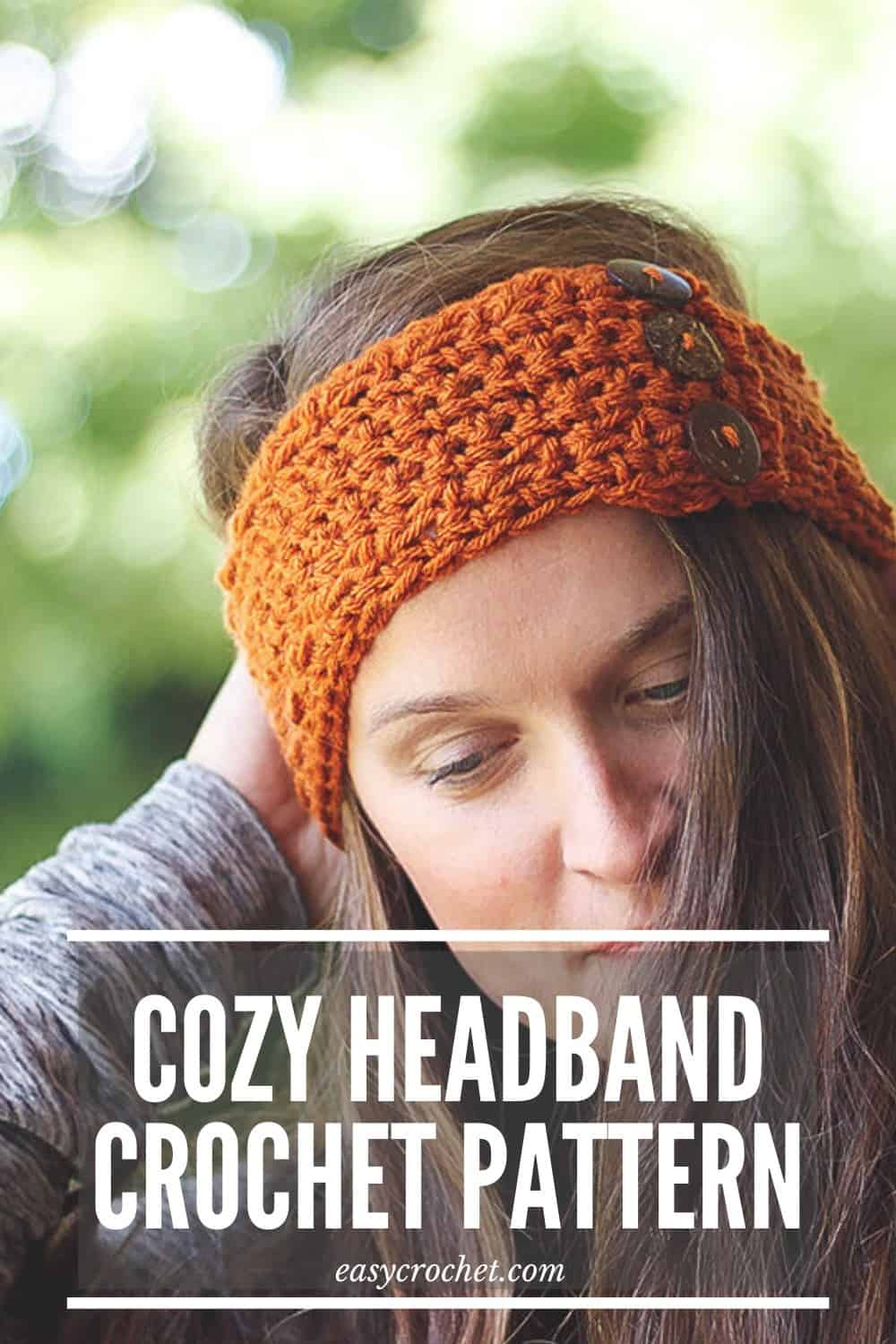 How to Crochet a Pumpkin Earwarmer via @easycrochetcom