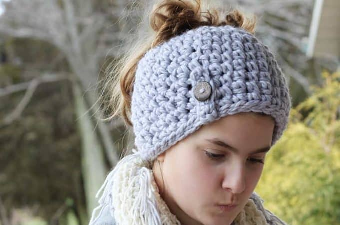 1 Hour Crochet Messy Bun Beanie