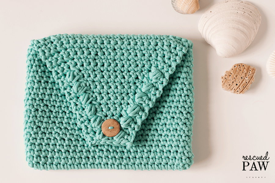 BEACH GLASS CLUTCH - Free Crochet Pattern by Rescued Paw Designs. Click to Read or Pin and Save for Later!