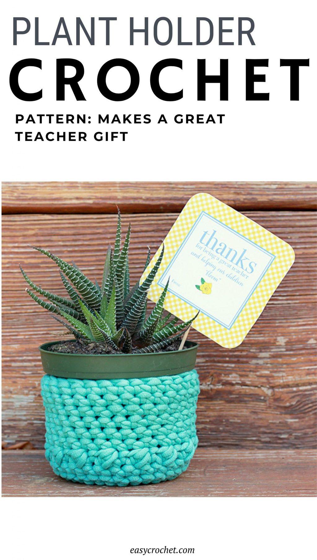 Crochet Plant Holder Pattern via @easycrochetcom