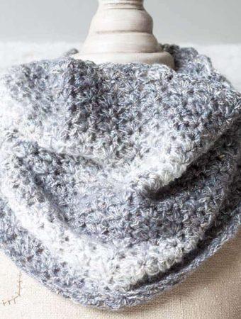 Shimmering Snow Crochet Cowl Pattern