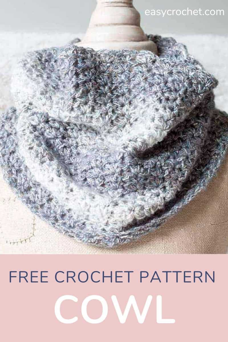 Free Crochet Cowl Pattern that is beginner-friendly and easy to crochet. Find it at easycrochet.com via @easycrochetcom