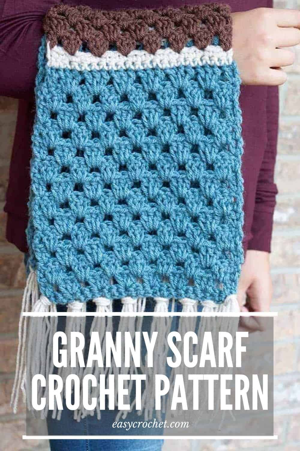 Simple Granny Scarf Crochet Pattern via @easycrochetcom