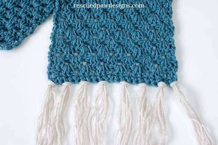 Up close view of a granny scarf pattern in crochet