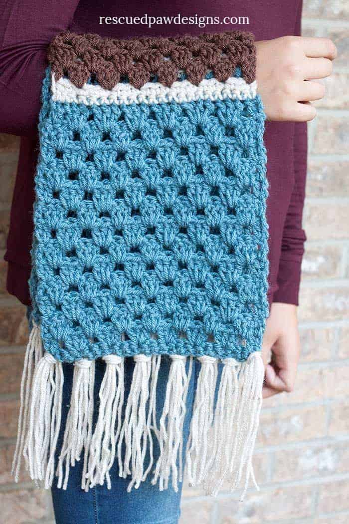 Simple Granny Scarf by Easy Crochet - Click to Crochet now or Pin and Save for Later - www.easycrochet.com