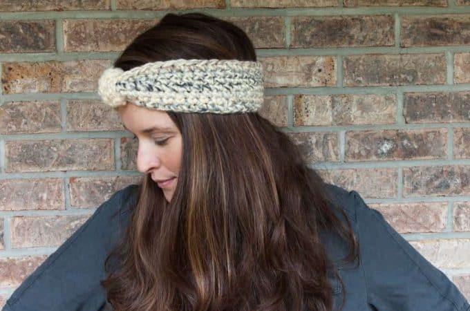 Snowy Crochet Earwarmer