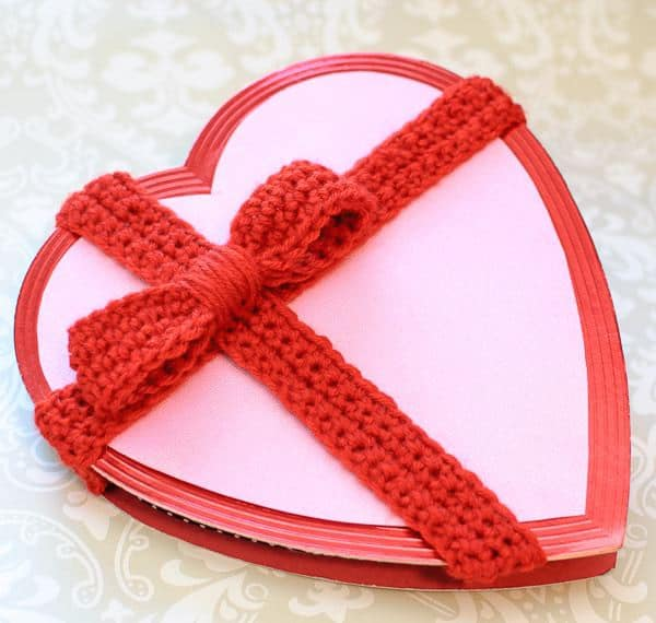 Crochet Bow for Valentine's Day