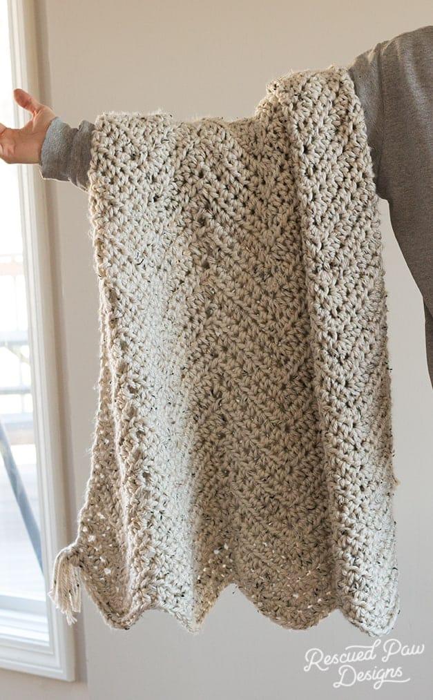 chunky chevron crochet blanket with tassels