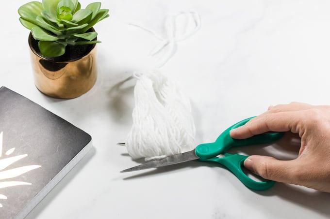 How to Cut Tassels in Crochet