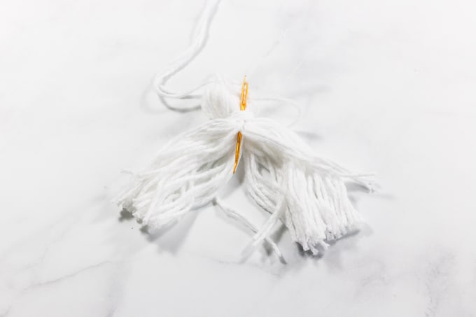 How to add crochet tassels to Projects