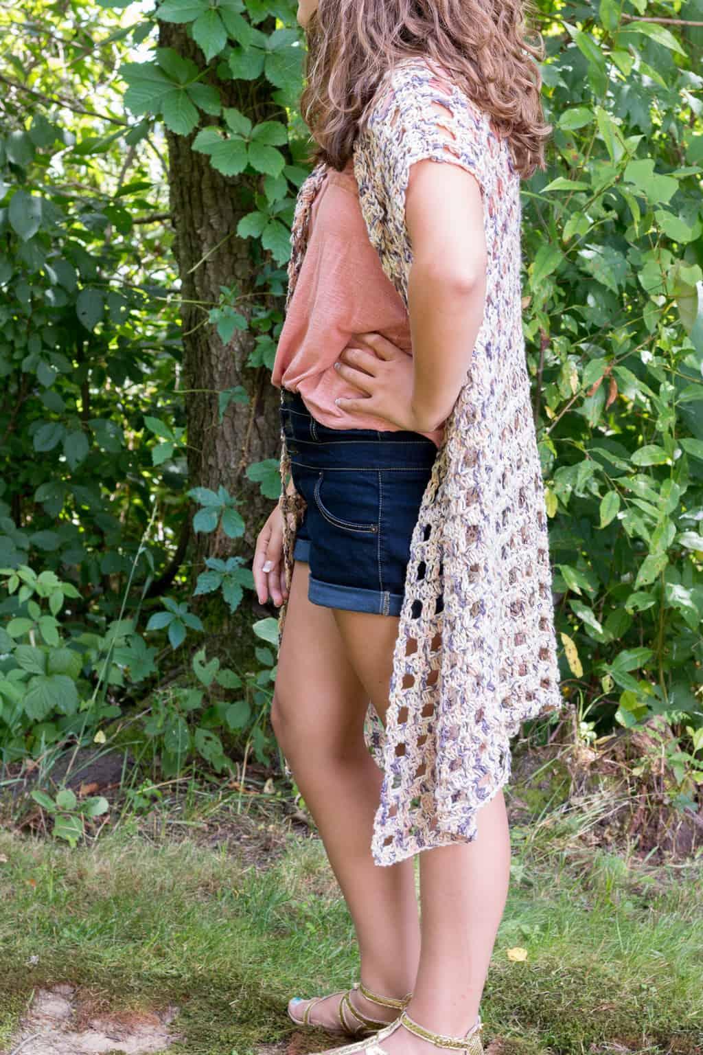 Free Mara Crochet Kimono Pattern via @easycrochetcom