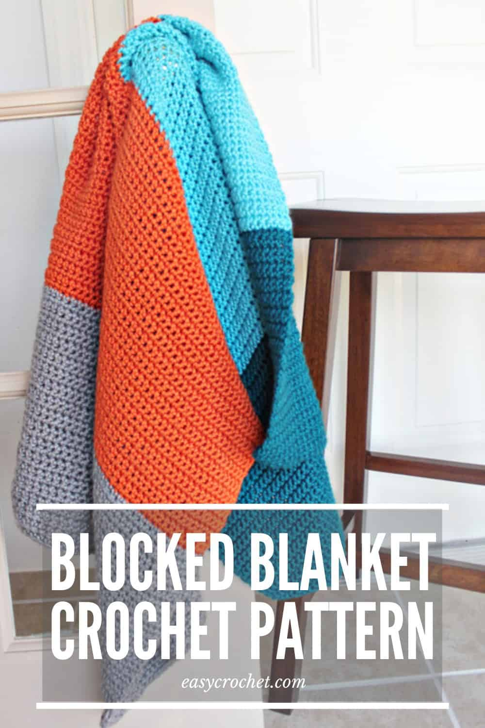 Easy Color blocked Crochet Blanket Pattern that is PERFECT for beginners! via @easycrochetcom