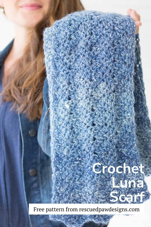 Luna Chevron Scarf Crochet Pattern via @rescuedpaw