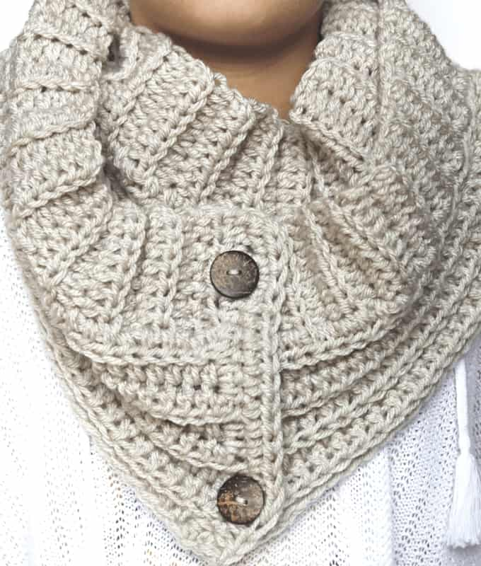 Free Crochet Scarf Pattern with Buttons