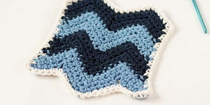 Dishcloth using a Chevron Stitch Pattern
