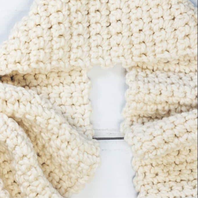 Crochet Scarf for Beginners e1587499799232