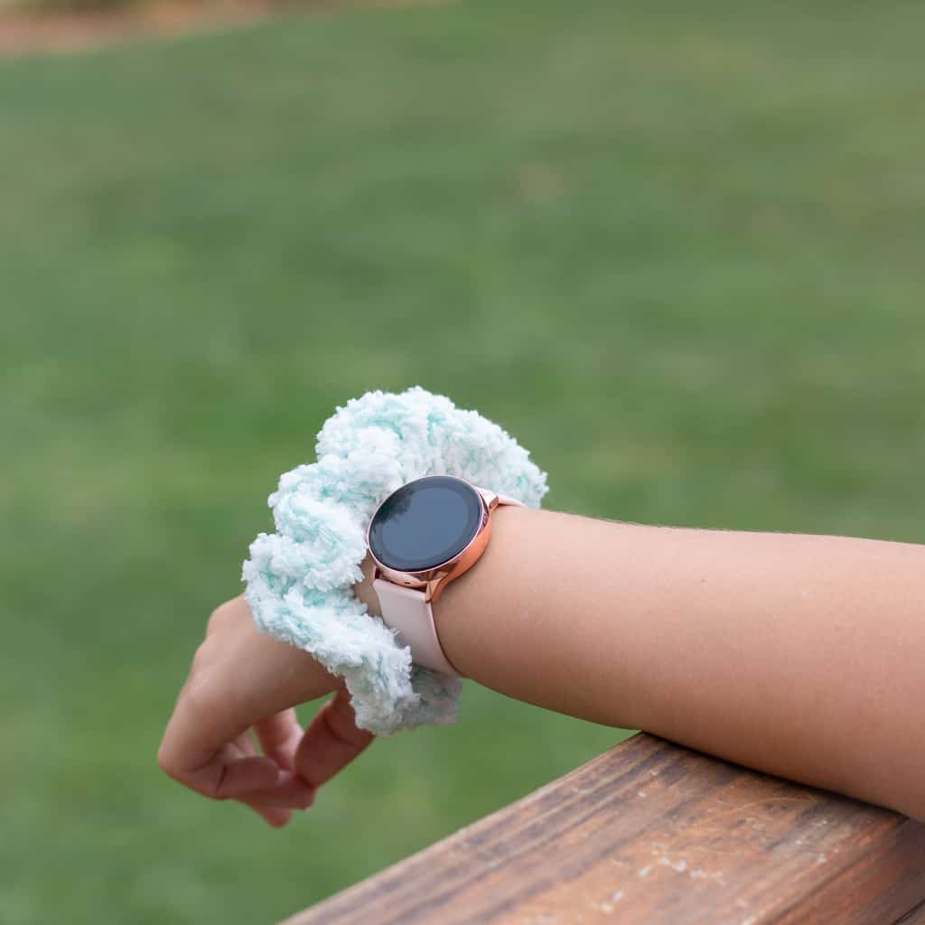 Crochet Pattern for a Fluffy Scrunchie