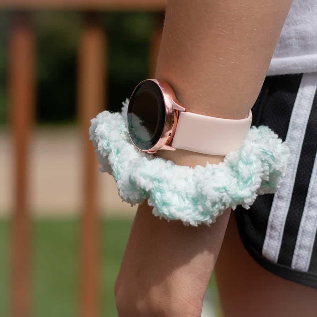 Crochet Scrunchie Pattern for Hair