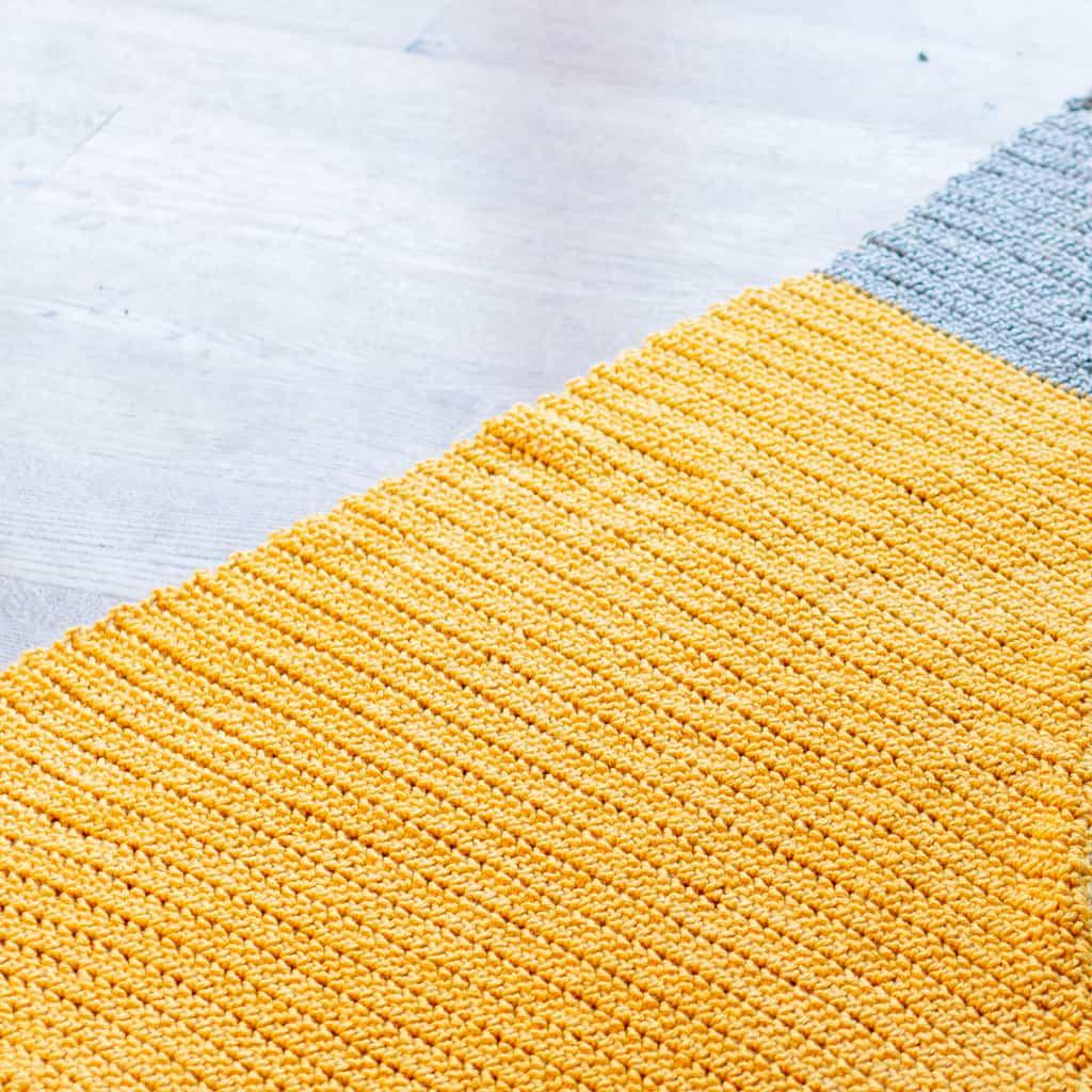 Triangle Crochet Baby Blanket Pattern