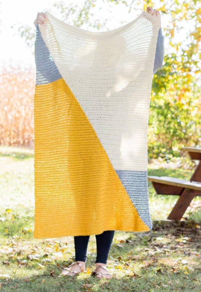 Triangle Modern Baby Blanket Pattern