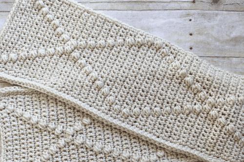 puff stitch used in a scarf