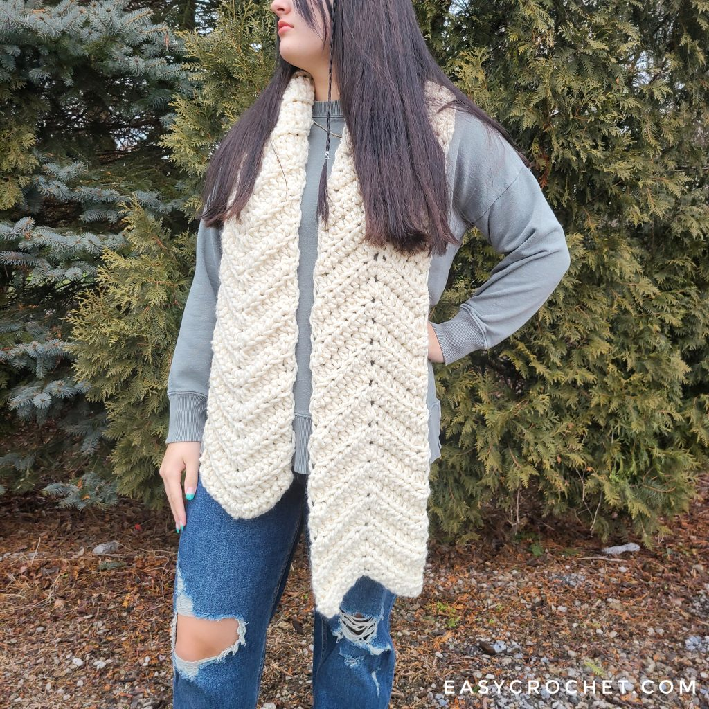 how to crochet a scarf with chunky yarn
