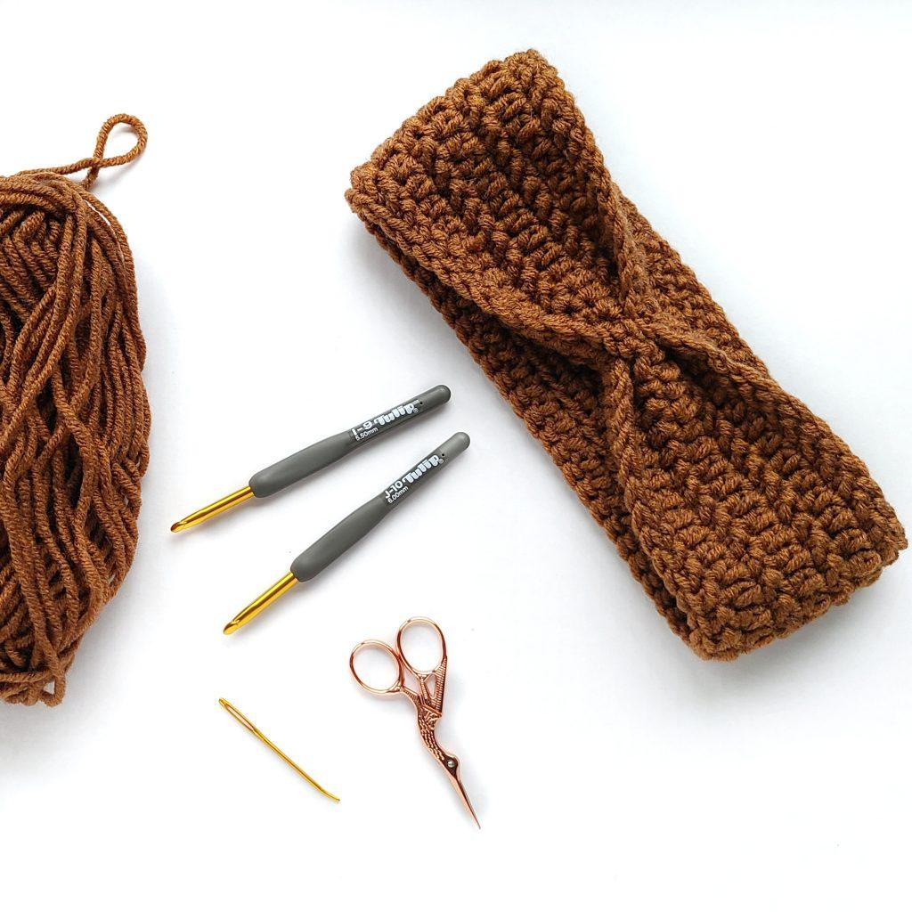 crochet ear warmer using chunky yarn