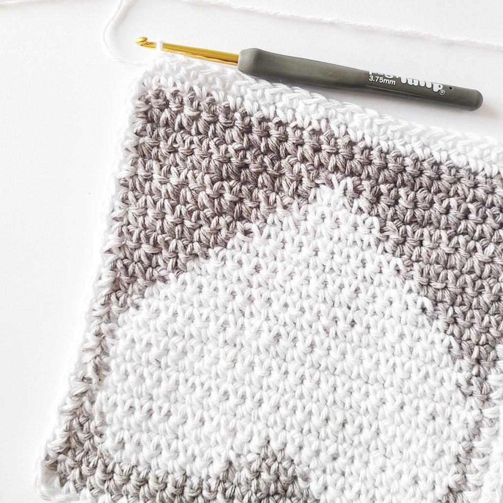adding a border on a dishcloth